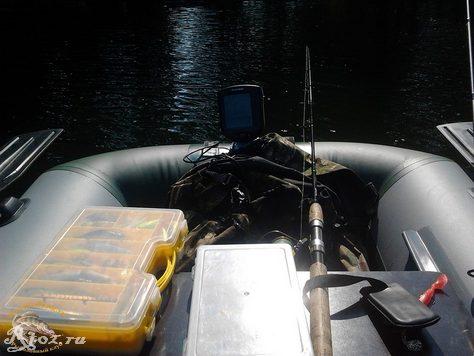 вещи в новой лодке