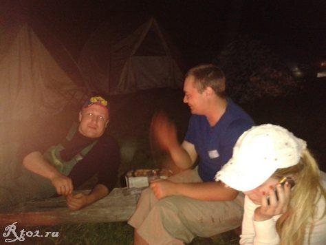 вечером в лагере