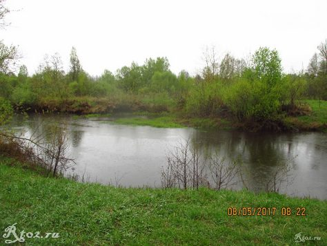 весенняя малая река 1