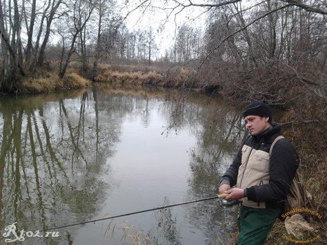 Димон осенью на речке