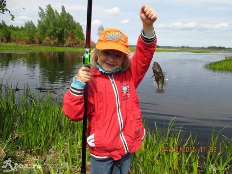 первая рыба моей дочки 1