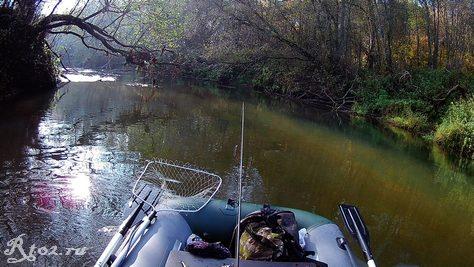 река в октябре 2