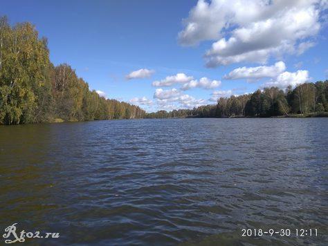 Осенний солнечный день на Десногоском водохранилище