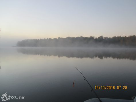 утро на реке стряна