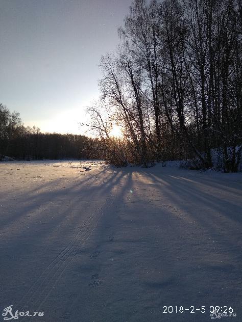 Февральское солнце на озере