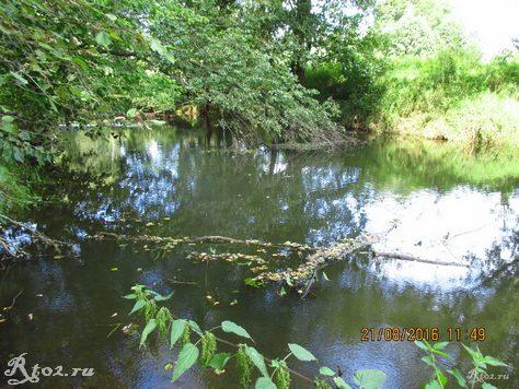 небольшая речка