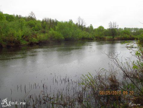 весенняя малая река 2