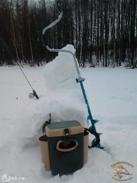 Снеговик на льду