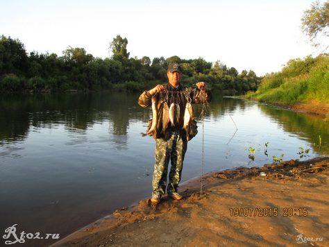 я с уловом рыбы на днепре 23