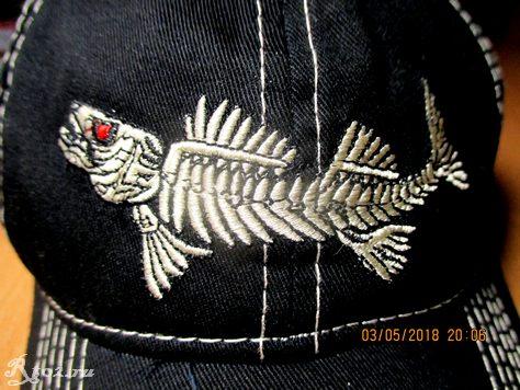 бейсболка со скелетом хищной рыбы 9