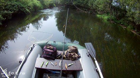 сплав по небольшой реке 1