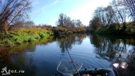 река в октябре 10
