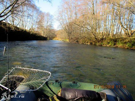 перекат на малой реке