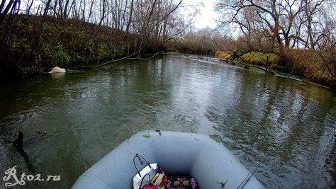 малая реке осенью