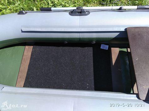 напольный коврик в лодке