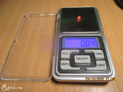 Вес красной бусины 5х4 составляет 0,04 гр