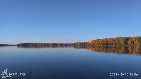 Десногорское водохранилище. Осенью 10 октября 2021 года.